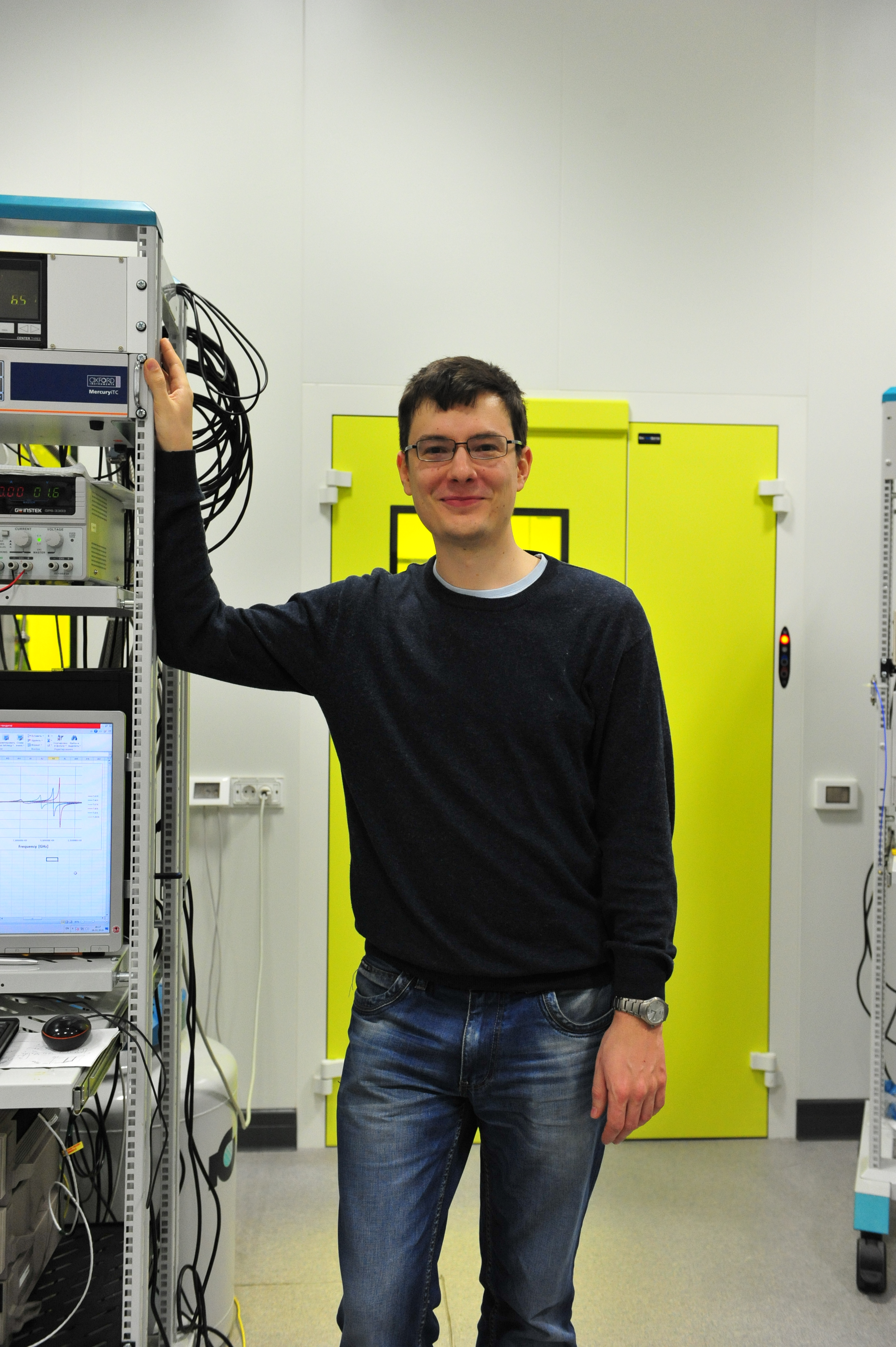 Александр в лаборатории